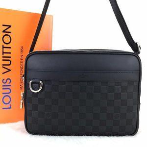 Louis Vuitton Trocadero Messenger NM PM Black